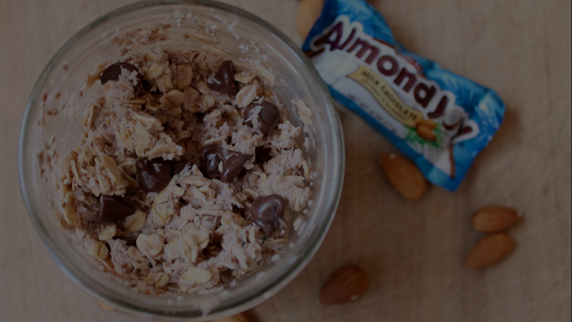 Our Favorite Healthy Almond Joy Overnight Oats!